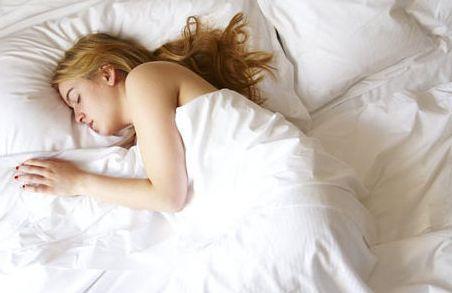 张柏芝大方承认裸睡,范冰冰崇尚裸睡,网友:尺度太大了