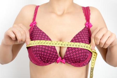 按摩丰胸有科学依据吗?女人乳房太小记住这三点
