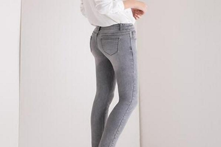 灰色鞋子搭配什么颜色裤子,这三种搭配简约舒适视觉时尚感