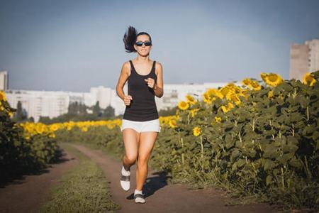 原地跑步能减肥吗,这三个阶段原地跑暴瘦三十斤-第2张图片-爱薇女性网