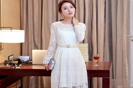2020夏季连衣裙搭配外套, 三款春夏流行连衣裙搭配时髦减龄-第3张图片-爱薇女性网