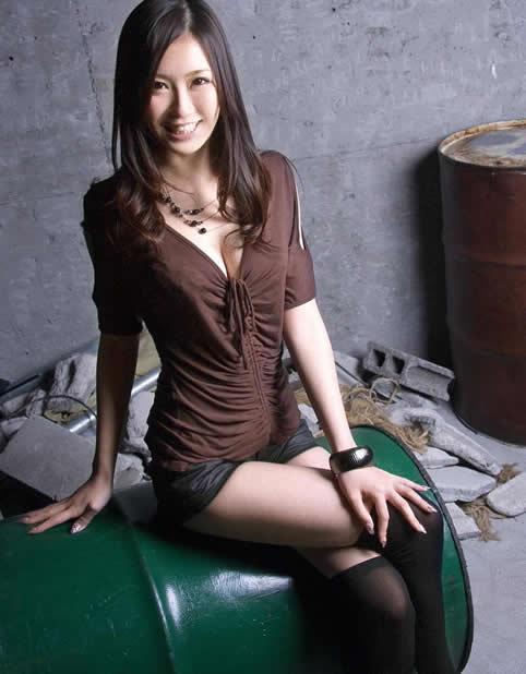 日本胸部最大的AV女优排行榜,盘点7个超大罩杯女优-第7张图片-爱薇女性网