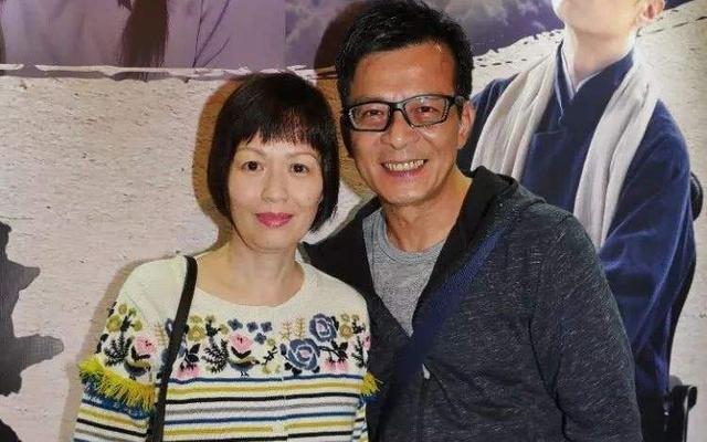 黄日华太太、演员梁洁华病逝,照顾多年不离不弃