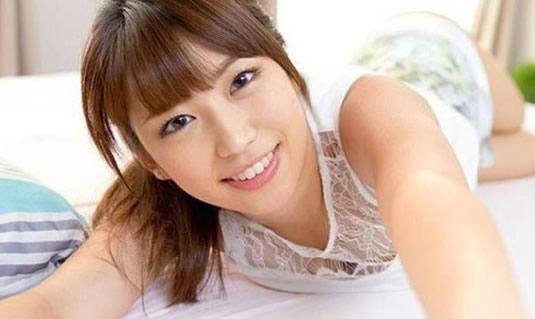 2020日本女优排行榜:10大漂亮女优资料简介及照片-第10张图片-爱薇女性网