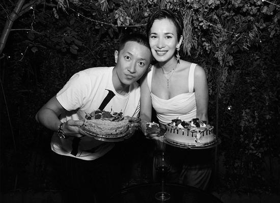 韩庚发文甜称我的爱人为卢靖姗庆生,二人更有夫妻相-第2张图片-爱薇女性网