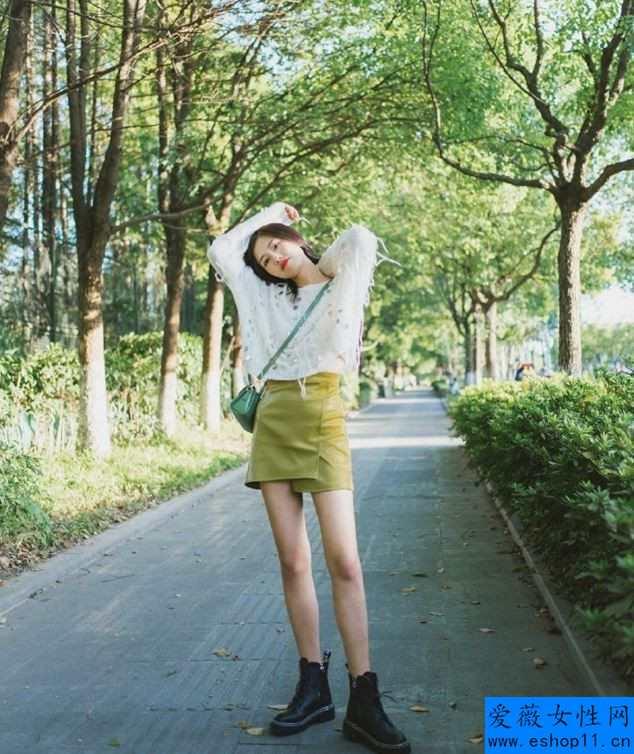 秋天不管穿裙還是牛仔裤,都别配白运动鞋,搭配这4款鞋子更能体现出女性魅力-第2张图片-爱薇女性网