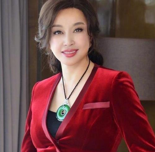 刘晓庆63岁怀宝宝是真的吗?