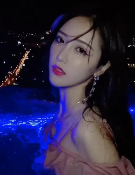 宸荨樱桃黑葡萄事件 视频女主是蔡梓彤本人吗-第3张图片-爱薇女性网