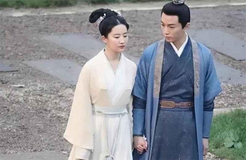 《梦华录》杀青,刘亦菲和陈晓同框太养眼