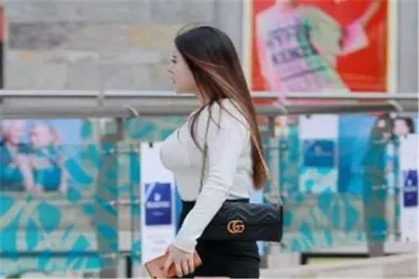 丰腴是胖的意思吗?指的是匀称的身材,与肥胖是两个不同的概念-第2张图片-爱薇女性网