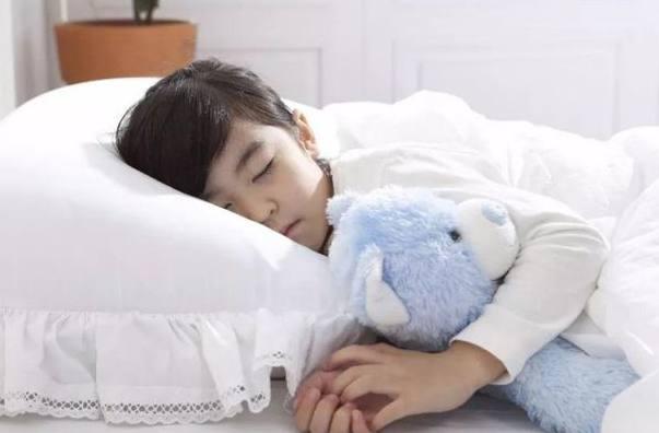 容易入睡的方法:方法很多(睡前洗个热水澡,喝杯温牛奶都可以)-第2张图片-爱薇女性网